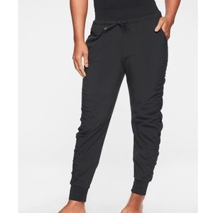 Athleta Black Attitude Pant - 10